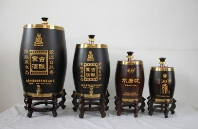 葡萄酒器皿就选不锈钢内胆实木酒桶